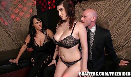 Barbara consigue el orgasmo tirando de petardas caseros su cerca