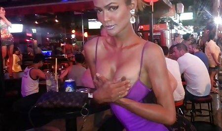 Linda con una figura impresionante petardas gimnasio quiere follar y dedo en el coño