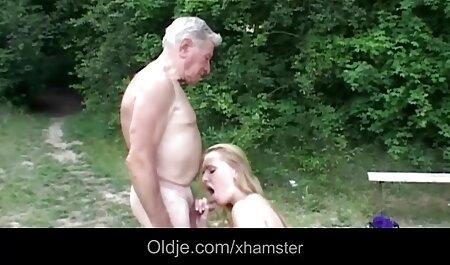 Pollo petardas sexso gratis con un entusiasta masturbándose con una polla