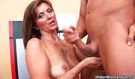 Belleza invita a un hombre a xxx de petardas visitar para tener sexo con él
