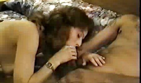 Megan petardas orgamos cabalgando en agujeros húmedos