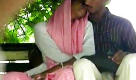 Las petardas negras maduras mujeres cuelgan un tendedero en los órganos sexuales masculinos