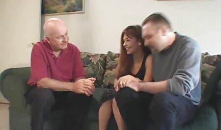 Tetas petardas videos grandes chica en una sesión de masaje para un granjero