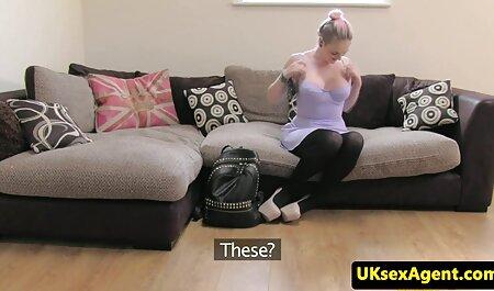 Jenna con solo medias de nylon petardas trans piernas para Cooney