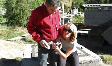 Hombre esposado petardas 18 a una chica y follada