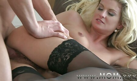 Dos divas seductoras tienen sexo con un asa akira petardas hombre