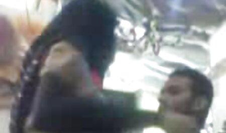 Mujer petardas follando con negros joven muestra pecho bastante