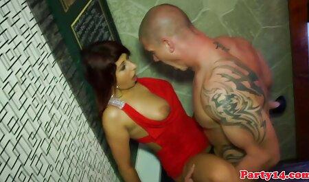 Masturbándose en el petardas enculadas baño